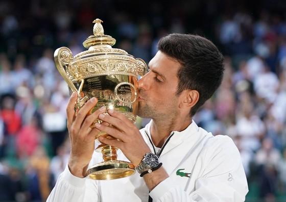 Wimbledon: Lỡ 2 championship-point, Federer thua cả 3 tie-break, nhìn Djokovic vô địch Grand Slam 16 ảnh 4
