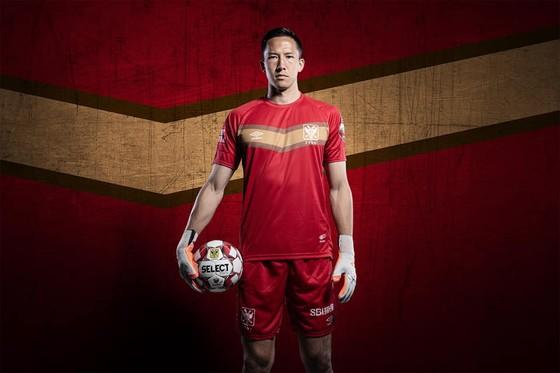 """Không có """"người mẫu"""" Công Phượng, Sint-Truidense vẫn công bố áo đấu tuyệt đẹp, Fan Việt phấn khích ảnh 5"""