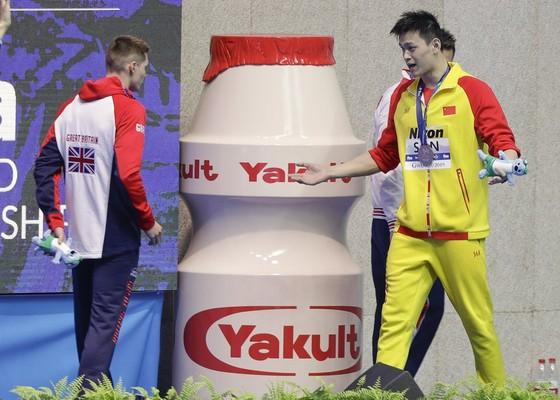 """Giải bơi lội VĐTG: Lại bị phủ nhận chiến thắng, Sun Yang mắng đối thủ: """"Tôi thắng, anh thua"""" ảnh 2"""