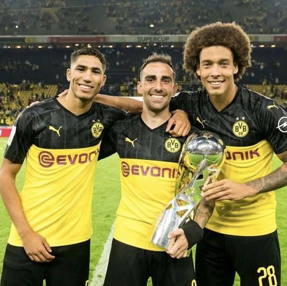 Borussia Dortmund ăn mừng Siêu cúp nước Đức sau khi đánh bại Bayern ảnh 2