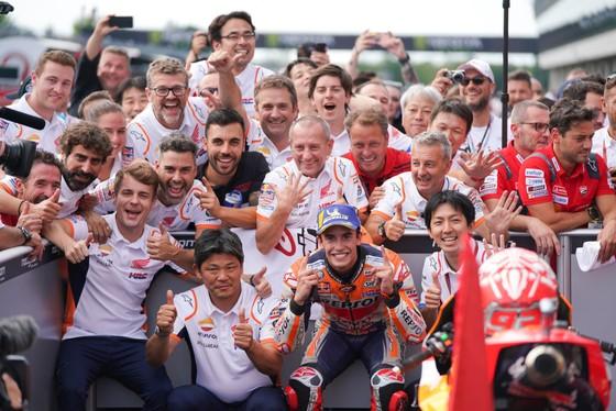 Hamilton và Marquez thống trị tuyệt đối đường đua F1 và MotoGP ảnh 1