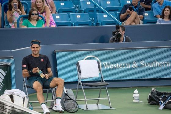 Cincinnati Masters: Federer vẫn đau vì Wimbledon, Djokovic lại khơi dậy nỗi đau đó ảnh 5