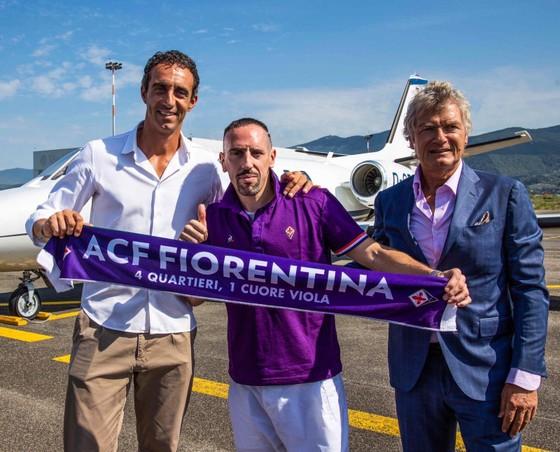 """Hình ảnh cực ngầu của """"Gã mặt sẹo"""" Ribery khi trở thành người của Đoàn quân Áo tím Fiorentina ảnh 8"""