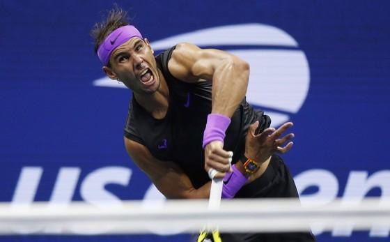 """US Open: """"Truyền nhân Martina Hingis"""" biến """"Nữ hoàng khóc nhè"""" thành cựu vô địch, Nadal vào TK lần 9 ảnh 5"""