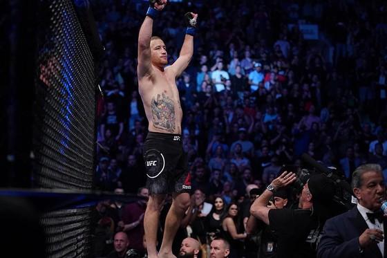 """UFC: Hạ gục """"Cao bồi"""" Cerrone, Gaethje gọi McGregor là """"gã giải nghệ"""", đòi đấu Khabib hoặc Ferguson ảnh 6"""