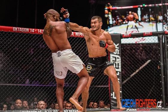 """MMA: Võ sĩ 8 múi từng được """"Money"""" Maywether khen giỏi nhất thế giới ký hợp đồng với UFC ảnh 6"""