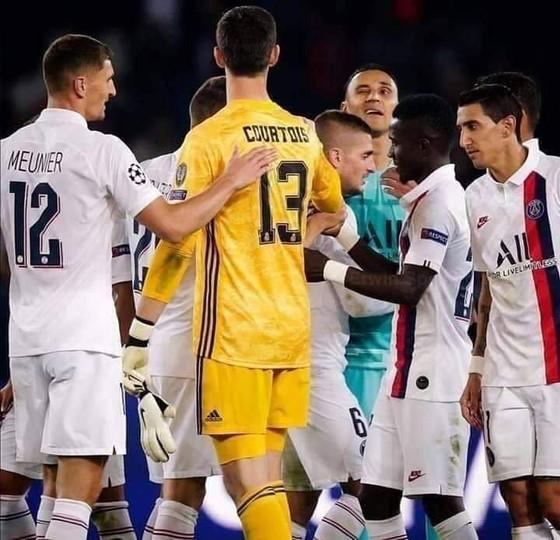 """Thibaut Courtois: 56 bàn/40 trận, chỉ số """"đỉnh"""" như Ronaldo, Messi, vẫn… chỉ trích đồng đội ảnh 3"""