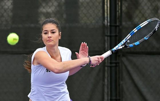 Tay vợt nữ xinh đẹp và trẻ trung người New Zealand qua đời trên đất Mỹ ảnh 2