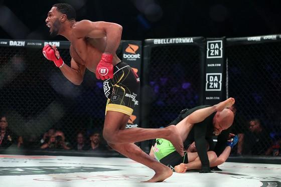 MMA Bellator 228: Hổ phụ sinh sư tử - McKee cha thắng KO hiệp 2, McKee con thắng KO ngay giây thứ 8 ảnh 3