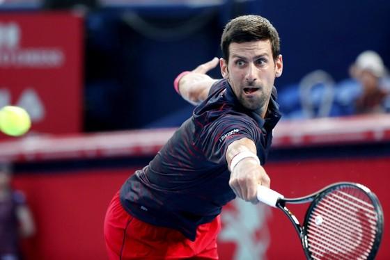 Nadal rút lui khỏi Shanghai, Djokovic lọt đến bán kết Tokyo ảnh 1