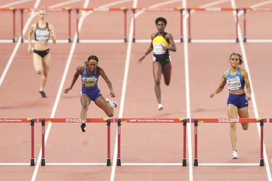 Giải điền kinh thế giới 2019: Muhammad phá kỷ lục thế giới 400m rào, người Mỹ lại sướng rơn ảnh 1