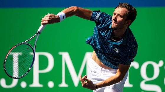 """Shanghai Masters: Federer, Djokovic, Fognini đồng loạt bị loại, """"thế giới này"""" là của Next Gen ảnh 3"""