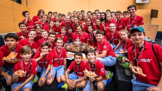 """""""Roger That!"""" - Federer giành danh hiệu thứ 10 ở Basel ảnh 2"""