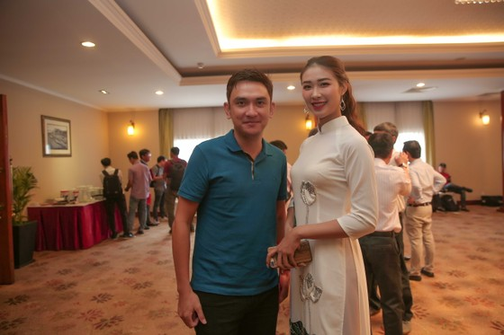 Ông Nguyễn Tuấn Phong và Tường Vy - Hoa hậu Du lịch Thế giới 2019 được yêu thích nhất