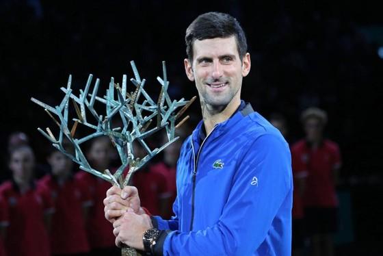 Vô địch Paris Masters và WTA Finals: Djokovic không thể hạnh phúc hơn, Barty cảm thấy… kỳ quái ảnh 5