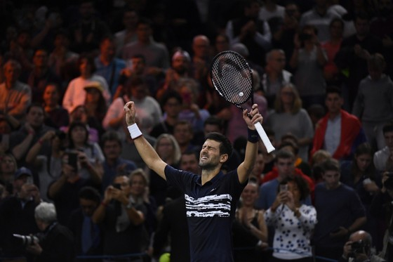Vô địch Paris Masters và WTA Finals: Djokovic không thể hạnh phúc hơn, Barty cảm thấy… kỳ quái ảnh 3