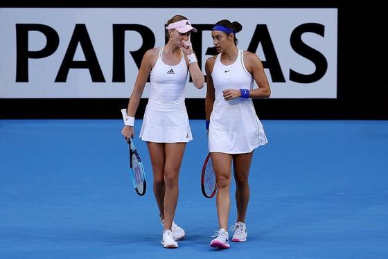 """Fed Cup: Bộ đôi mỹ nhân Garcia – Mladenovic hạ """"cánh én đơn độc"""" Barty, Pháp vô địch sau 16 năm  ảnh 3"""