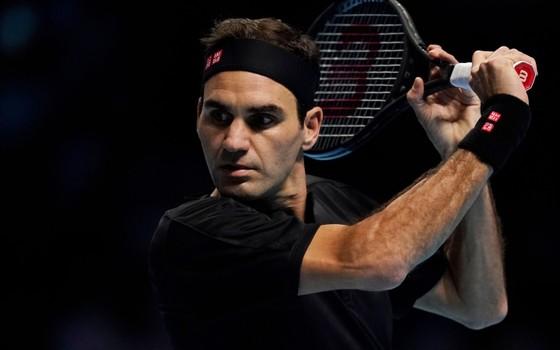 """ATP Finals: Nadal vẫn bị loại dù thắng Tsitsipas, Federer rơi vào thế """"một mình chống Next Gen"""" ở BK ảnh 2"""