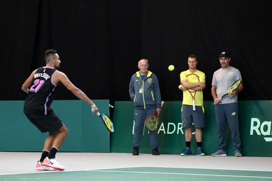 """Davis Cup Finals: Bị tố: """"Chỉ có 15 khán giả đến xem thi đấu"""", Gerard Pique phản pháo đáng thương... ảnh 7"""