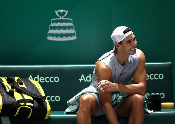"""Davis Cup Finals: Bị tố: """"Chỉ có 15 khán giả đến xem thi đấu"""", Gerard Pique phản pháo đáng thương... ảnh 5"""