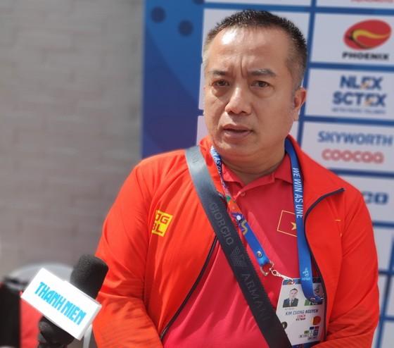 Lãnh đội tuyển quần vợt Việt Nam Nguyễn Kim Cương (Ảnh Dũng Phương)