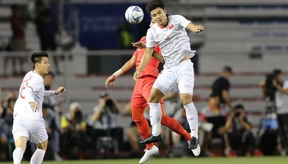 HLV Park Hang Seo: Tôi thay vị trí thủ môn không phải vì sai lầm của Tiến Dũng ảnh 1