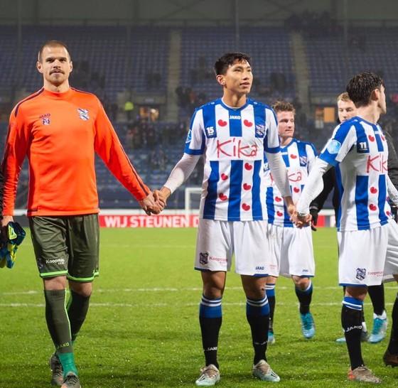 Văn Hậu lần đầu tiên ra sân cho Heereveen, CĐV Việt Nam phấn khích ảnh 3