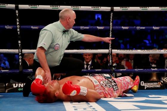 """Quyền Anh: Thắng KO trận thứ 13, Triple D chạm thêm một tay vào """"đỉnh thế giới"""" ảnh 4"""