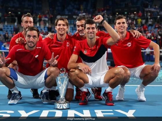 ATP Cup: Thắng 19 ván liên tiếp trên sân cứng trước tay vợt sở hữu 19 Grand Slam, Djokovic lên ngôi ảnh 1