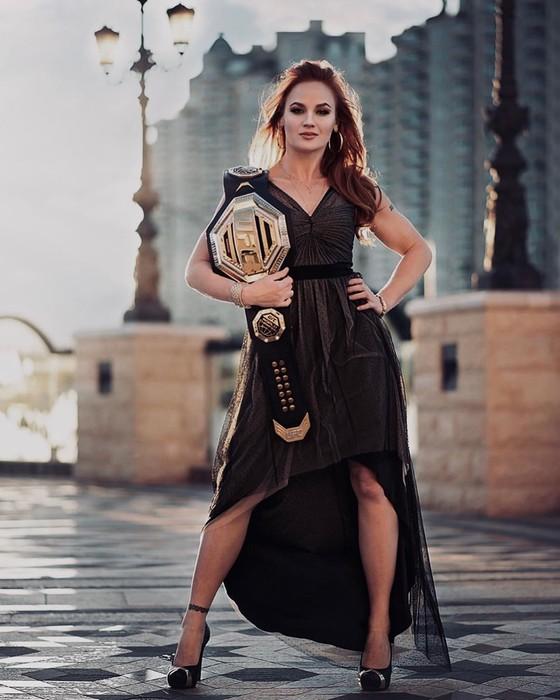 """UFC: """"Nữ gangster"""" Shevchenko bất ngờ bị đình chỉ thi đấu 6 tháng, sau chiến thắng TKO Chookagian ảnh 4"""