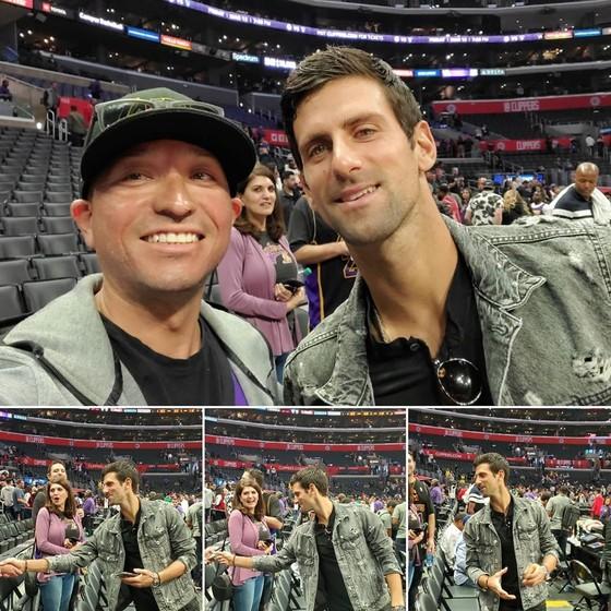 Djokovic giao lưu với khán giả khi dự khán một trận NBA