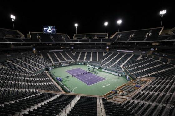 Khán đài vắng tanh khi ATP hoãn thi đấu 6 tuần
