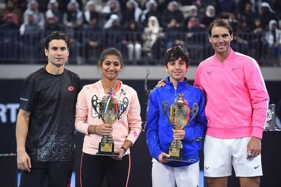 Nadal phải đóng của cả các Học viện của mình để ngừa dịch Covid-19