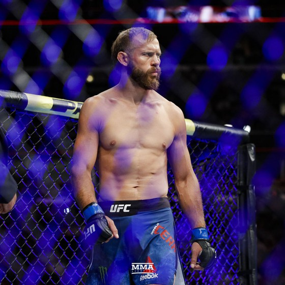 UFC 249: Các võ sĩ không ngại thi đấu trong một sàn đài đóng kín, không có khán giả ảnh 1