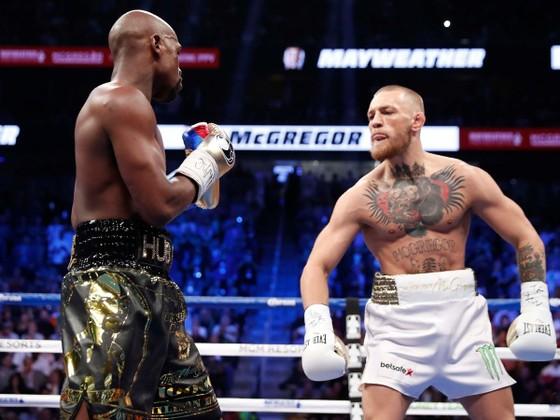 """Được Mike """"thép"""" khen ngợi màn trình diễn khi đấu với """"Money"""" Mayweather, """"Gã điên"""" McGregor hào hứng nói về """"chương tiếp theo"""" giữa 2 người ảnh 1"""