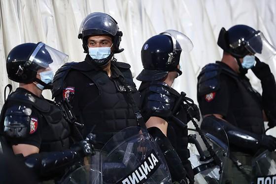"""25 ngàn CĐV đến xem Trận Derby thành Belgrade: Cứ """"quẩy"""" trước đã, còn lại tính sau! ảnh 1"""