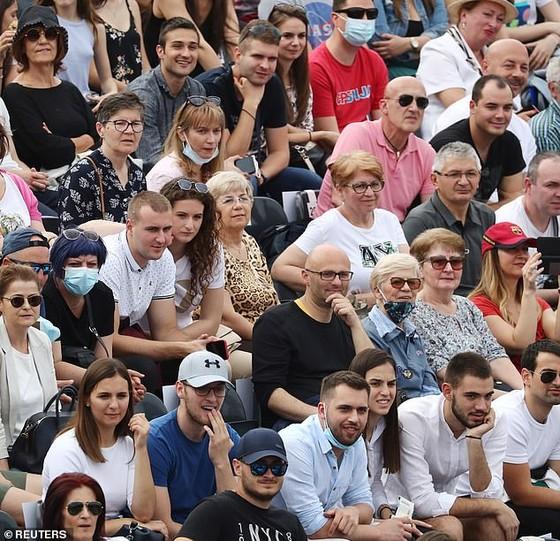 Novak Djokovic tổ chức giải giao hữu - từ thiện Adria Tour: Chính quyền Serbia yêu cầu tổ chức, chúng tôi không tự làm ảnh 1