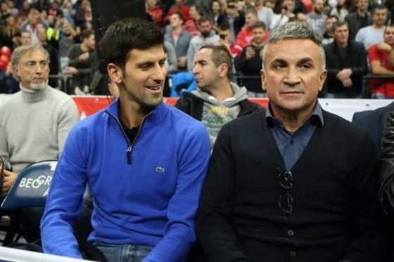 """Cha của Djokovic đổ thừa Dimitrov phải chịu trách nhiệm, nói anh này là """"siêu lây nhiễm"""" ảnh 1"""