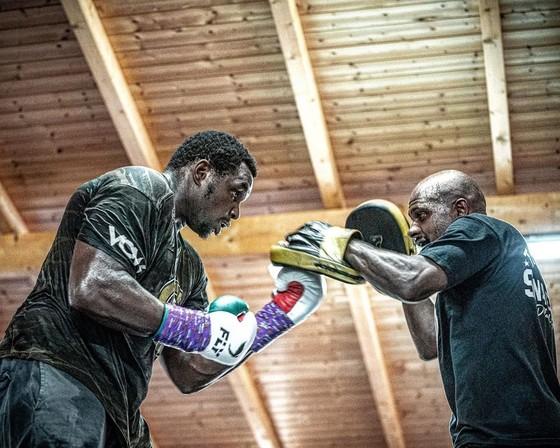 """""""Quái hiệp"""" Dillian Whyte vs """"Sư tử trắng nước Nga"""" Alexander Povetkin: Tranh thêm đai WBC Diamond ngoài WBC Interim ảnh 2"""