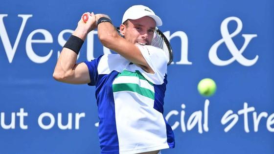 """Cincinnati Masters: """"Tay súng trẻ người Nga"""" Medvedev bị loại, Djokovic rộng cửa vô địch, Osaka bất ngờ bỏ cuộc ảnh 1"""