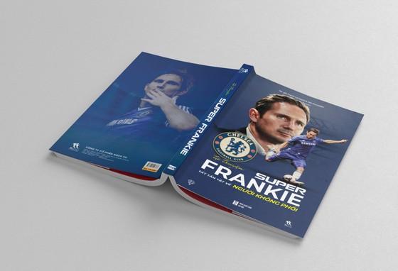 Tự truyện Super Frankie - Tất tần tật về Người không phổi: Cuốn sách mà mọi True Blue ở Việt Nam đều mong chờ ảnh 3