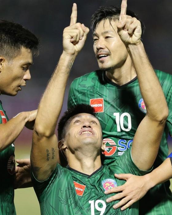 """Gã trai lãng tử Daisuke Matsui và nhân duyên với Sài Gòn FC: Vì """"bầu"""" Bình, đến Việt Nam khi đã 40 tuổi ảnh 1"""