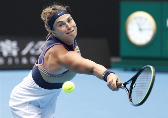 Aryna Sabalenka trước cơ hội hạ bệ thần tượng Serena Williams.