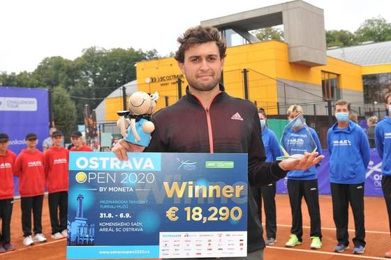 "Aslan Karatsev - ""Biến số"" quái lạ ở Australian Open 2021 ảnh 1"