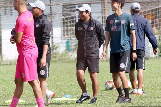 Sứ mệnh bóng đá của Sài Gòn FC: Không ngại Cao Văn Triền sang Nhật, HLV Vũ Tiến Thành ra Bắc làm PVF ảnh 2