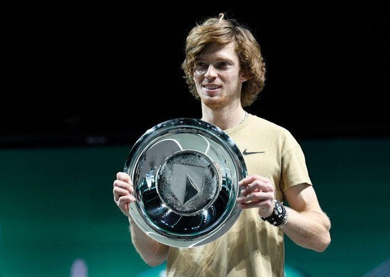 Rublev vô địch Rotterdam Open