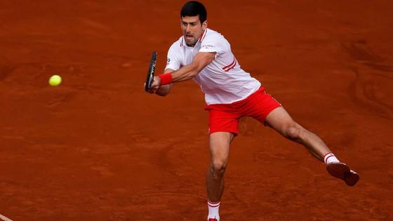 Djokovic rực cháy hoàn mỹ ở quê nha