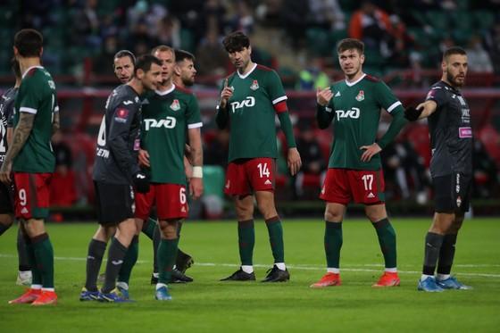 Lokomotiv Moscow: Toàn thắng 10 trận sau nghỉ Đông, vào CK Cúp Quốc gia thứ 10 - vẫn thua… CSKA ảnh 4
