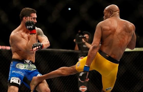 UFC 261: Weidman gãy xương cẳng chân, Shevchenko lần thứ 5 bảo vệ đai vô địch ảnh 2