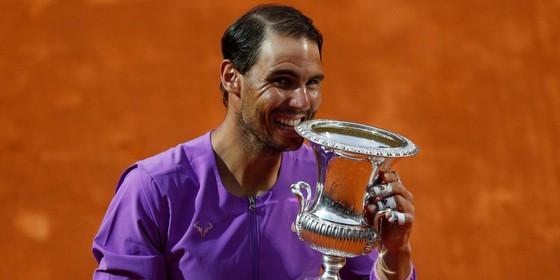 Nadal lên ngôi lần thứ 10 ở Rome